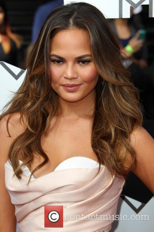 Chrissy Teigen Bullies