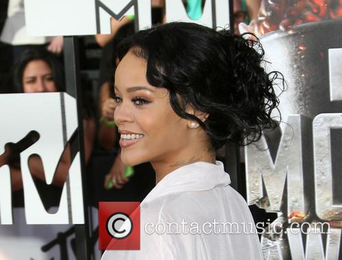 Rihanna 9
