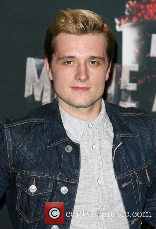 josh hutcherson mtv movie awards 2014 press 4154399