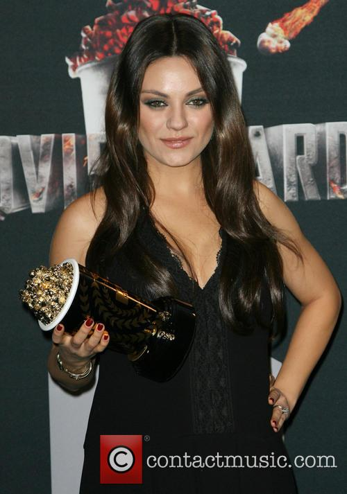 Kunis at the 2014 MTV Awards