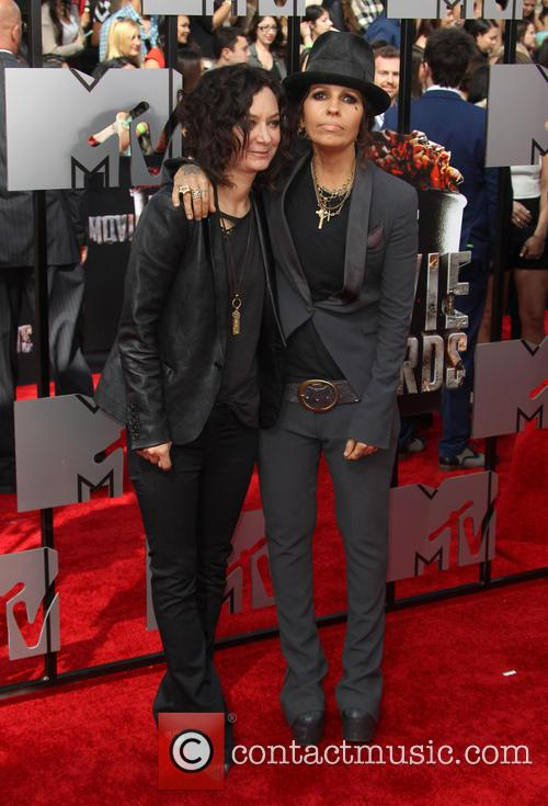 Linda Perry and Sara Gilbert 2