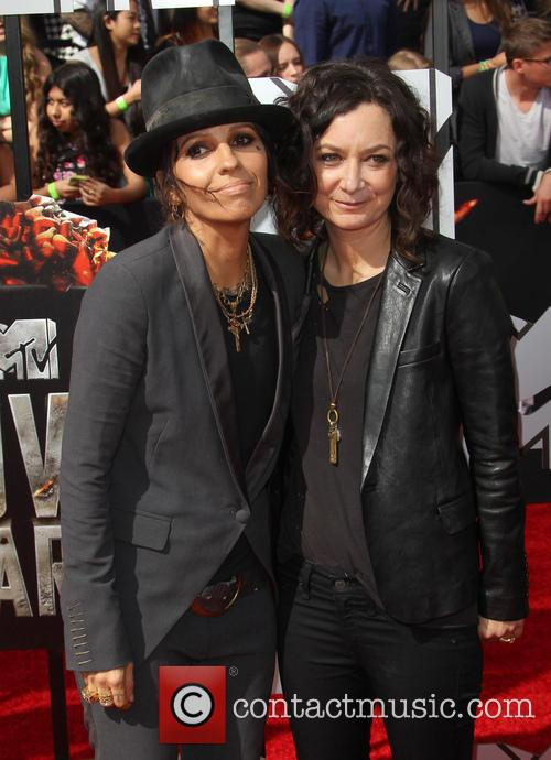 Linda Perry and Sara Gilbert 3