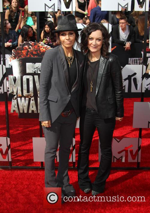 Linda Perry and Sara Gilbert 5