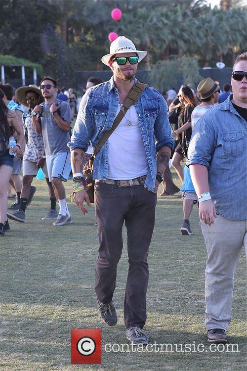 Kellen Lutz looks cool at Coachella day 3