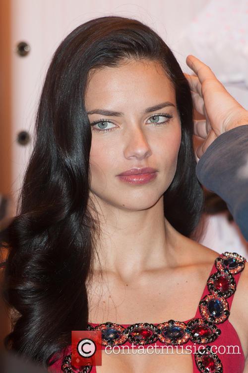 Adriana Lima 8