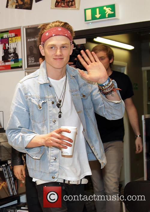 The Vamps Sign Copies of Their CD 'Meet...