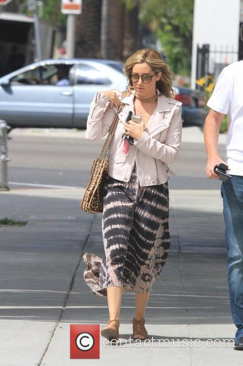 Ashley Tisdale 10