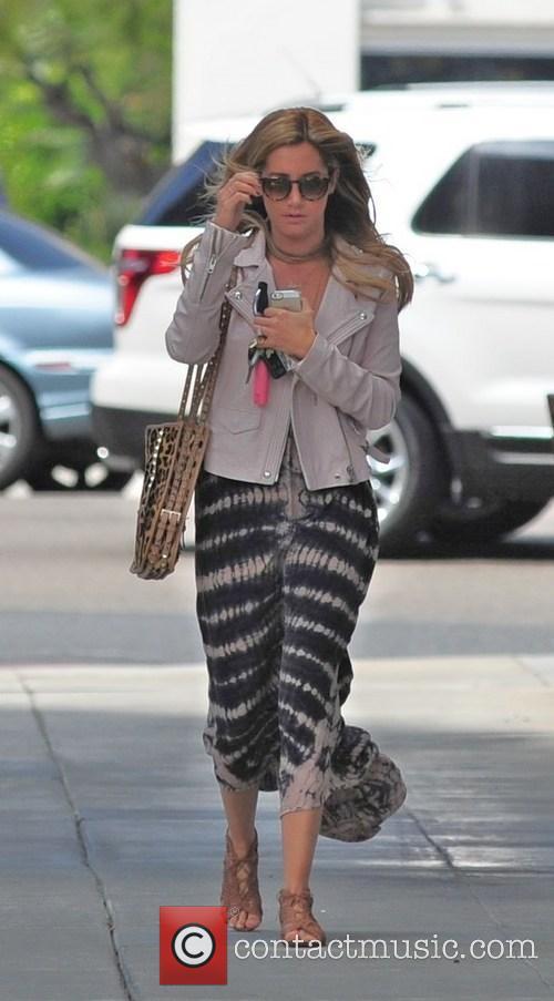 Ashley Tisdale 18