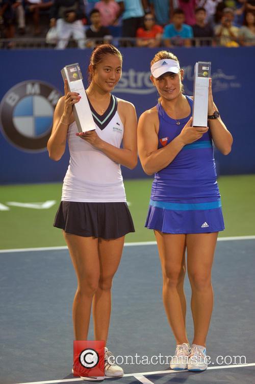 Tennis 82