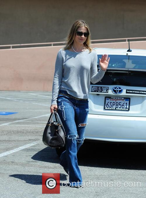 Ali Larter Leaves Rite Aid