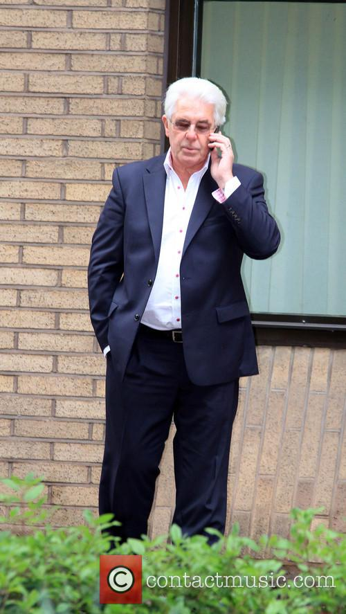 max clifford max clifford outside southwark crown 4165256