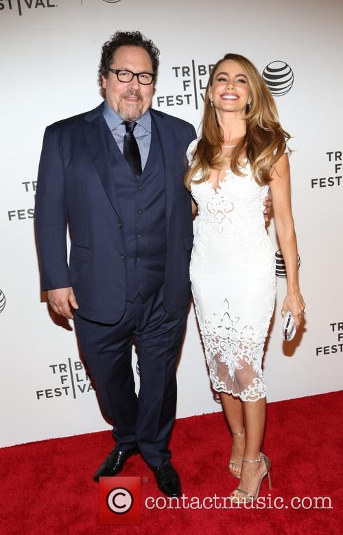 Jon Favreau and Sofia Vergara 3