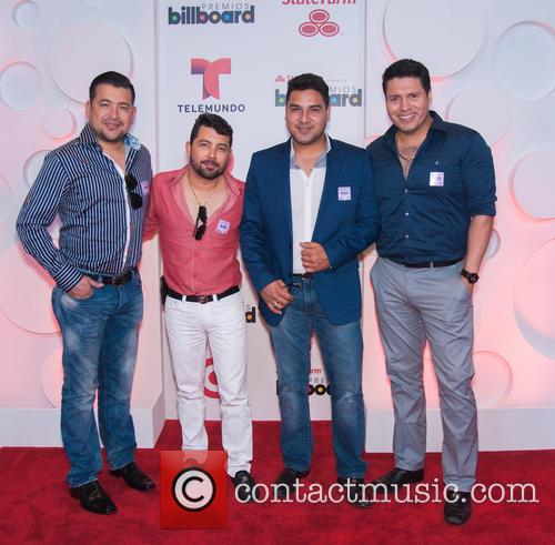 Billboard and Banda Ms 8