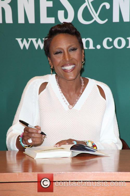 Robin Roberts signs copies of her book 'Everybody's Got Something'