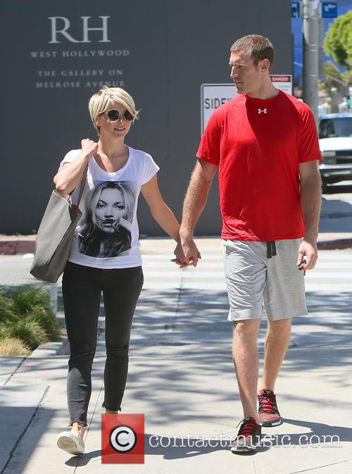 Julianne Hough and Brooks Laich 4