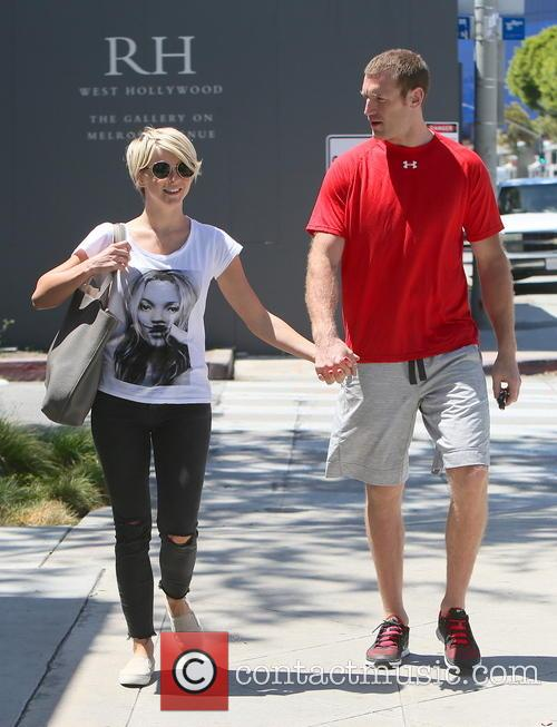 Julianne Hough and Brooks Laich 8