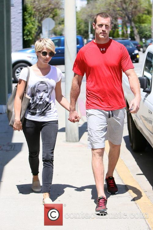 Julianne Hough and Brooks Laich 10