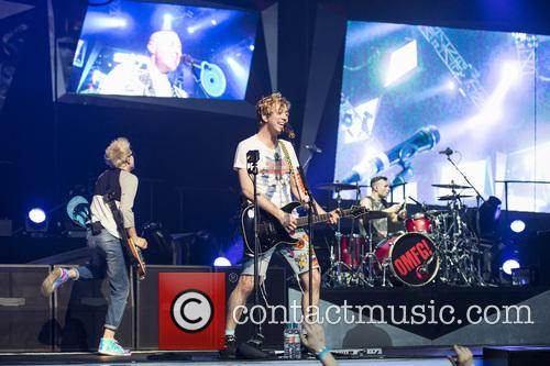 Tom Fletcher, Danny Jones, Dougie Poynter, Harry Judd, James Bourne and Matt Willis 4