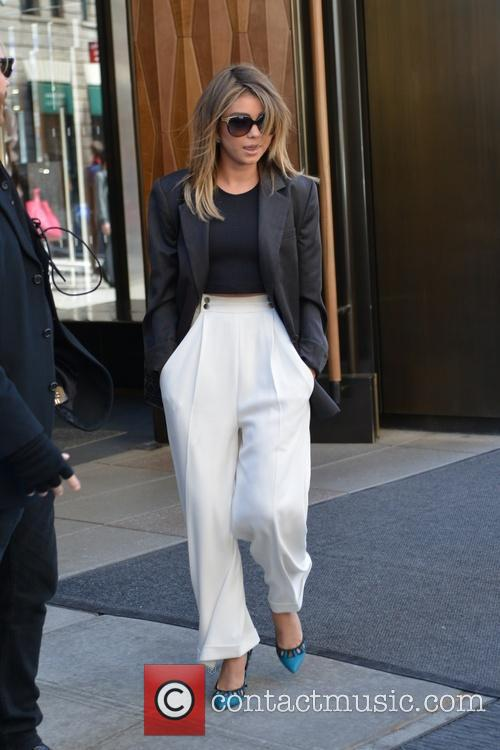 Sarah Hyland leaving for the Letterman show