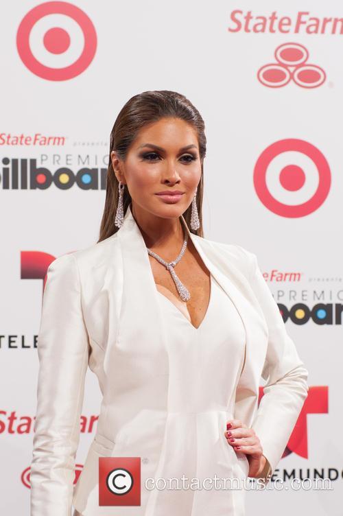Billboard and Gabriela Isler 6