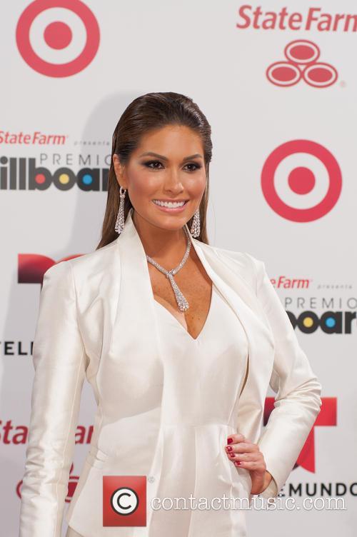 Billboard and Gabriela Isler 7