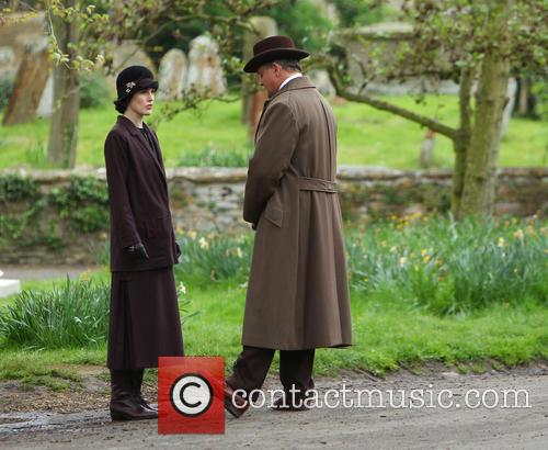 Michelle Dockery and Hugh Bonneville 22