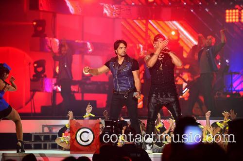 Luis Fonsi and Wisin 7