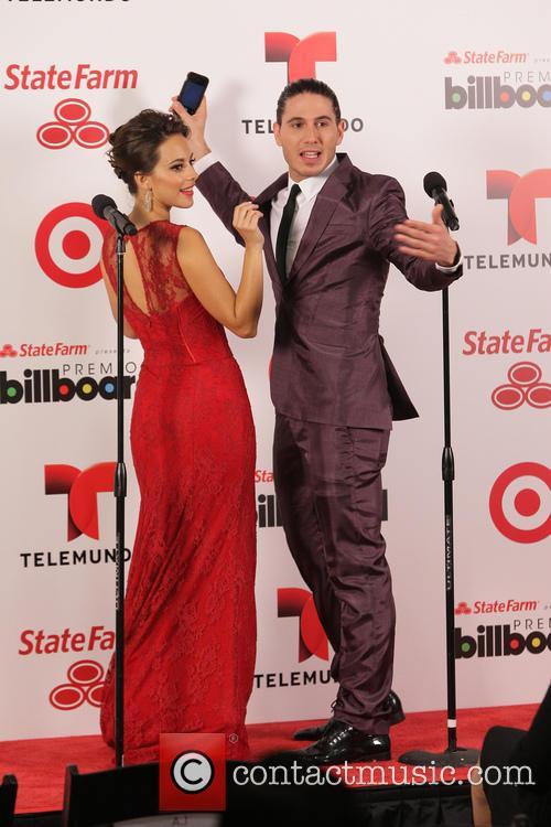 Billboard and Maria Elisa Camargo 4