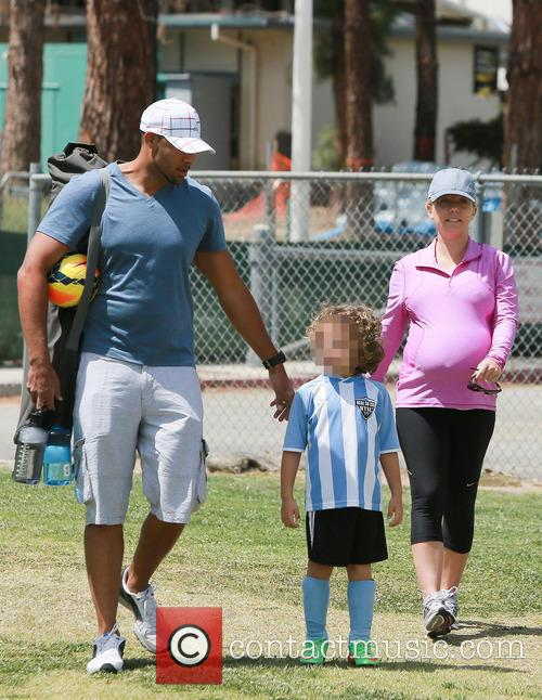 Kendra Wilkinson and Hank Baskett 7