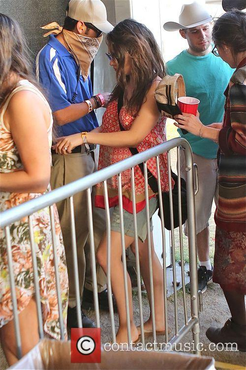 mila kunis ashton kutcher and pregnant mila 4171083