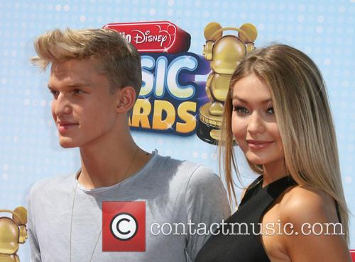 Cody Simpson and Gigi Hadid 7