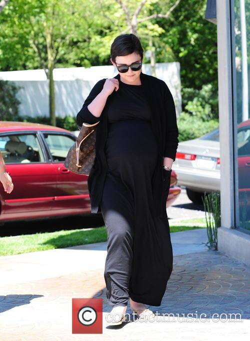 Ginnifer Goodwin Shopping In Beverly Hills