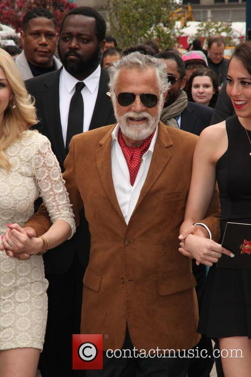The Most Intresting Man, and His Two House Maids and Jonathan Goldsmith 9