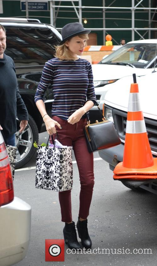 taylor swift taylor swift running errands in 4173622