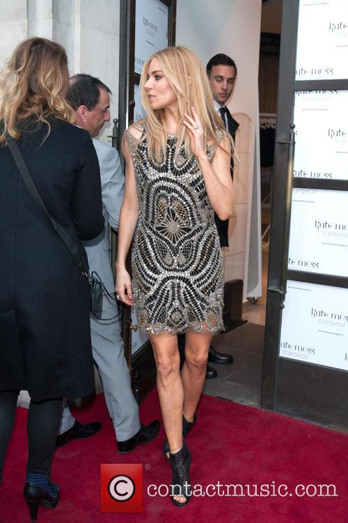 sienna miller kate moss at top shop 4173588