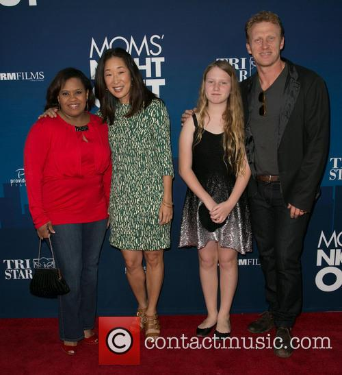Chandra Wilson, Sandra Oh, Guest and Kevin Mckidd 6
