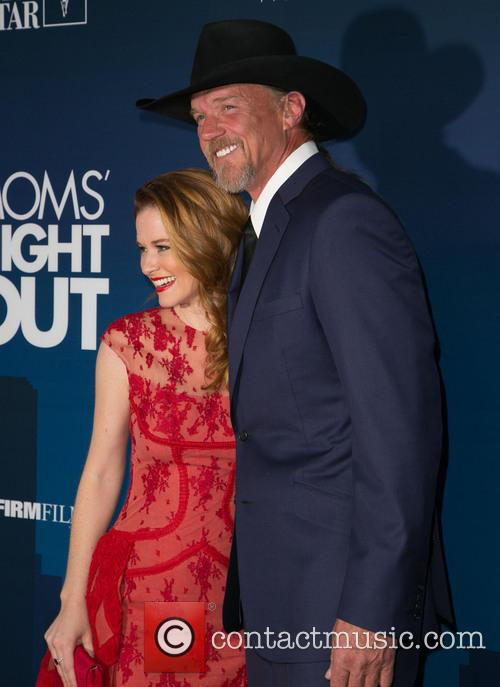 Sarah Drew and Trace Adkins 6