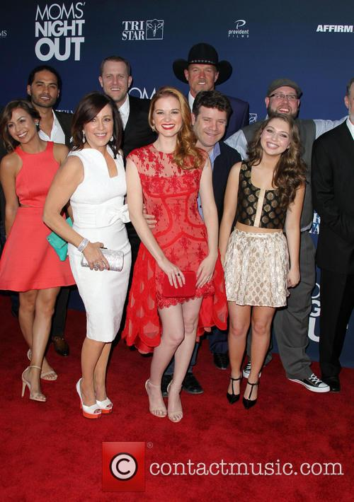 Sean Astin, Trace Adkins, Sarah Drew, Sammi Hanratty, Patricia Heaton, Abbie Cobb and David Hunt 1
