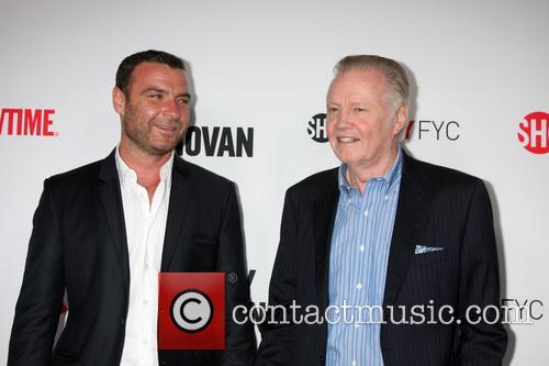 Liev Schreiber and Jon Voight 5
