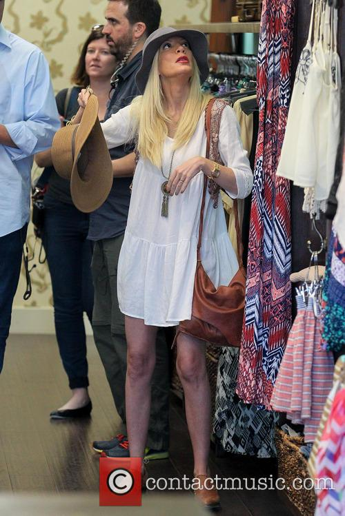 Tori Spelling Filming Reality Show