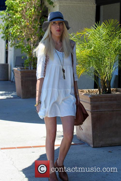 Tori Spelling and Tory Spelling 4