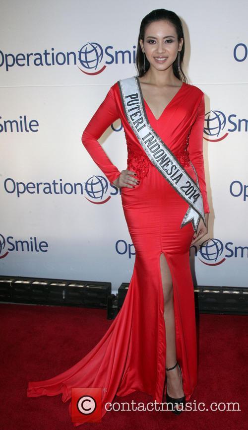 Elvira Devinamira and Miss Indonesia 1