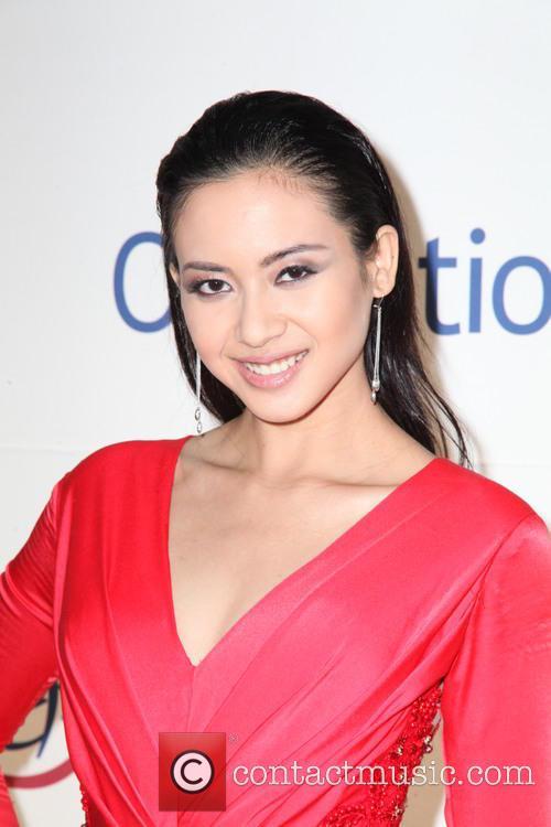 Elvira Devinamira and Miss Indonesia 3