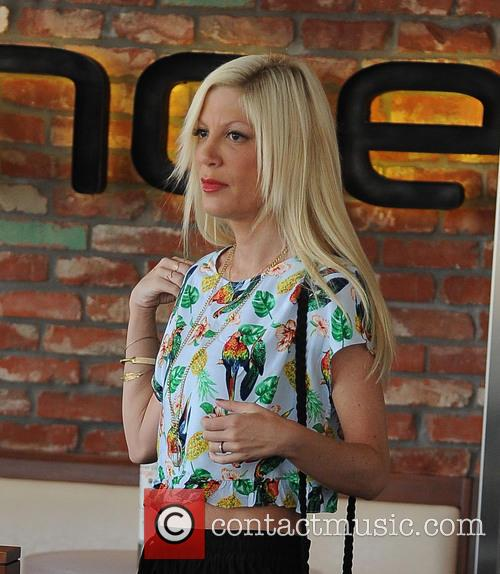 tori spelling tori spelling does a production 4176253