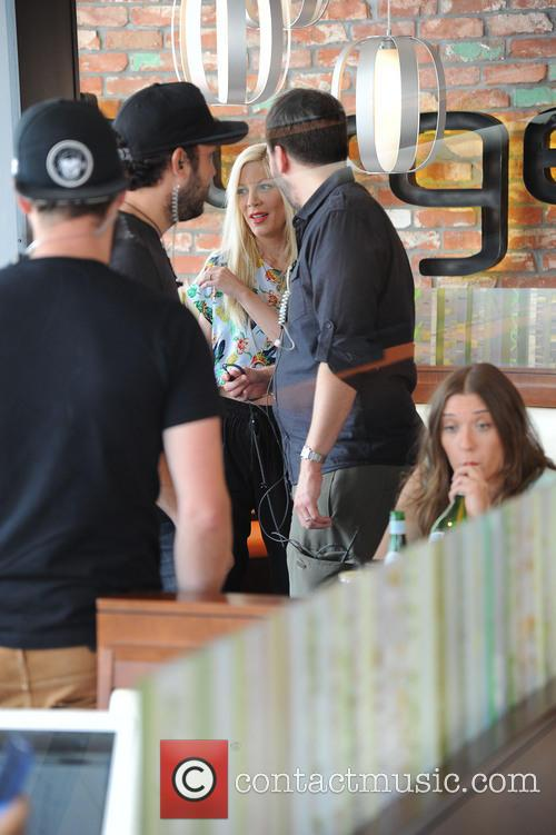 Tori Spelling shoots some scenes