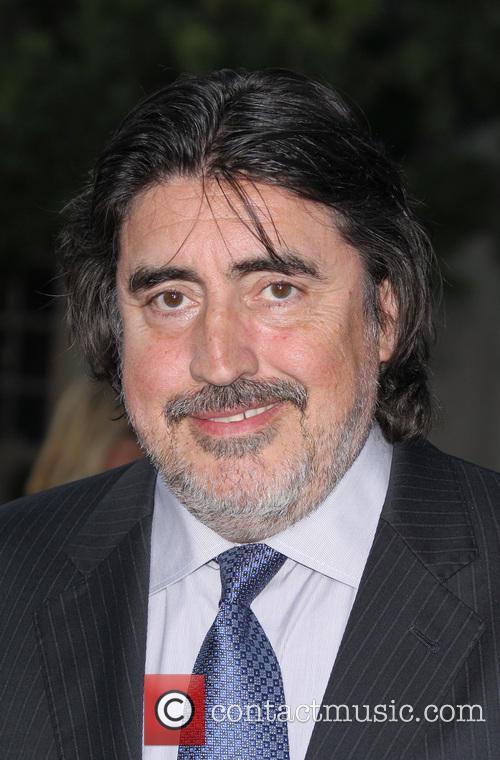 Alfred Molina Biography