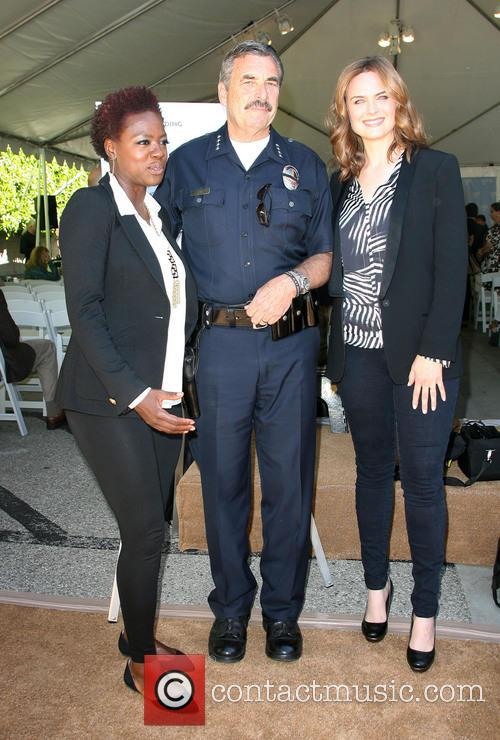 Viola Davis, Lapd Police Chief Charlie Beck and Emily Dechanel 2