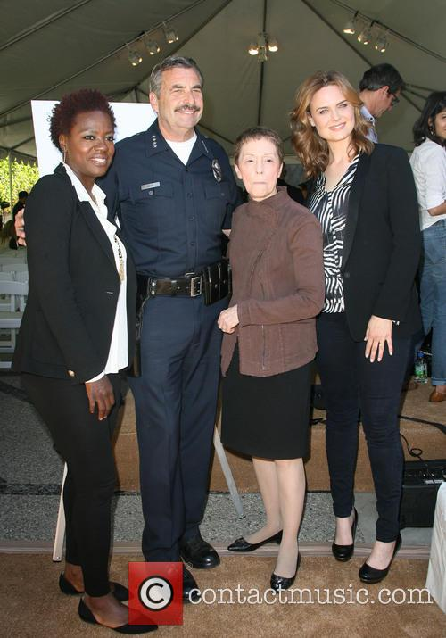 Viola Davis, Lapd Police Chief Charlie Beck, Gail Abarbanel and Emily Dechanel 7
