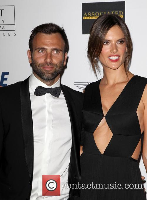 Jamie Mazur and Alessandra Ambrosio 1