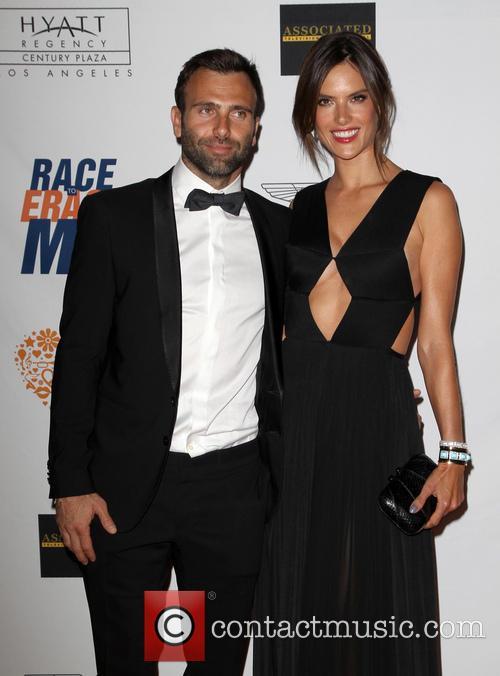 Jamie Mazur and Alessandra Ambrosio 3